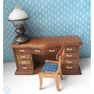 Старинная кукольная мебель для кабинета
